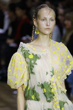 Simone Rocha Spring 2017 Ready-to-Wear Accessories Photos - Vogue