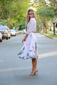 Love this. I struggle to pull off the skirts, but I could give it a try.