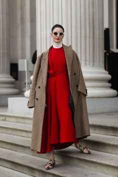 See the best street style from London Fashion Week.