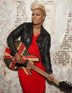 Emeli Sande-What a voice! Short Relaxed Hairstyles, Pixie Hairstyles, Short Sassy Hair, Short Hair Styles, Emeli Sande, Music Is Life, Music Love, Punk Rock Fashion, Cute Shorts