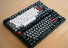 Muirium's Novatouches. R5 SA caps, the Honeywell style is joined by a Dolch/vintage IBM style.