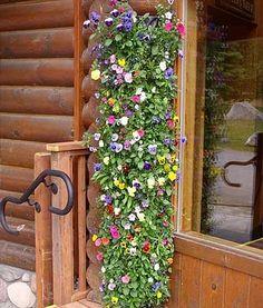 Такие конструкции можно использовать не только в саду, но и на балконе.