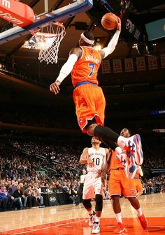 I want to meet Carmelo Anthony because he is one of my favorite bballl players.