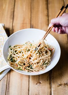 15-Minute Sweet   Spicy Cold Peanut Noodles Recipe | http://hellonatural.co/sweet-and-spicy-cold-peanut-noodles-recipe/