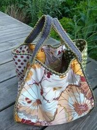 What an AWESOME way to finish a bag...with crochet!