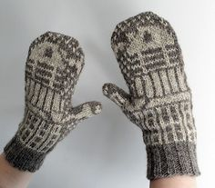 A pair of colourwork Daleks fight it out on these toasty stranded mittens!