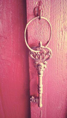 ♥vintage pink door & key♥