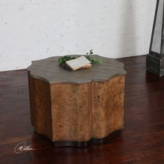 MBR: Small coffee table in front of tv