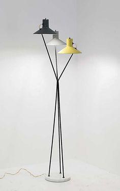 Gino Sarfatti floor lamp for Arteluce, 1948 Vintage Lighting, Cool Lighting, Modern Lighting, Lighting Design, Luminaire Suspension Design, Deco Luminaire, Diy Floor Lamp, Home Decoracion, Mid Century Lighting