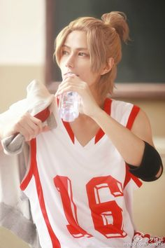 their story Qi Fang cosplay. cosplayer @夕楼76 ┃ photography@神子微操 ┃ editing@脱线熊猫