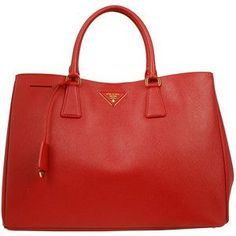 My new Prada lux tote! Stylish Handbags, Cheap Designer Handbags, Prada Handbags, Prada Bag, Handbags Online, Purses And Handbags, Fendi Purses, Purses Online, Sac Chanel Boy