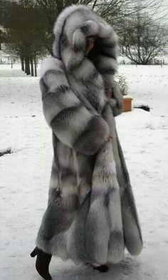 Silver Fox Full length hooded fur coat -- then let's play hide & seek! Long Fur Coat, Faux Fur Coats, Mink Coats, Fur Accessories, Fabulous Furs, Fur Fashion, Unique Fashion, Fur Boots, Mink Fur