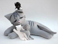 ikat bag: Press: Cat and Kittens in Homespun