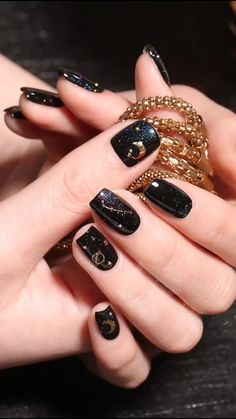 These Nail designs have clean, classy, minimalist style that you absolutely adore. These desaturated palettes are to deserve for. Edgy Nails, Grunge Nails, Stylish Nails, Trendy Nails, Pink Nails, Cute Nails, Cheetah Nails, Gel Nails, Cute Halloween Nails