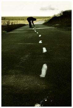 """לכל מי שאיבד את הדרך להצלחה - הדרך להצלחה אינה ישרה!!! יש בורות בכביש שנקראים כישלונות. יש פניית פרסה שנקראת בילבול. פסי האטה שנקראים """"חברים"""". תמרור עצור שמכונה משפחה. אורות אדומים שנקראים קנאים. ופנצ'רים שנקראים מתחרים... אבל אם יש לך!!!!! צמיג רזרבי שנקרא התמדה! מנוע ששמו נחישות! וביטוח רכב מסוג אמונה! את\ה תגיע ליעד שנקרא הצלחה :):):) . http://www.hameatzvim.co.il/198748/Hagar-Magen-Consulting-and-Business-Promotion"""