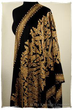 The Artist's Way Shawl Kashmiri Shawls, Kashmir India, Cashmere Wrap, Classy Chic, Indian Dresses, Lounge Wear, Paisley, Textile Texture, Indian Weddings