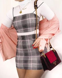 How to Style Vintage Outfits and What You Should Know Before Buying Fashion Killa, 90s Fashion, Korean Fashion, Fashion Looks, Fashion Outfits, Womens Fashion, Fashion Trends, Skater Fashion, Fashion Skirts