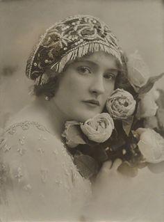 Daisy Irving by Bassano, 1910