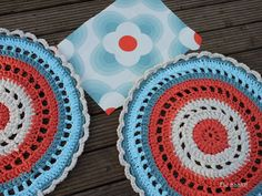 Fie bakt, haakt én naait!: Twee dezelfde tapijten...