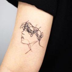 Mini Tattoos, Hot Tattoos, Finger Tattoos, Body Art Tattoos, Tatoos, Small Girl Tattoos, Tattoos For Women Small, Tattoos For Guys, Piercing Tattoo
