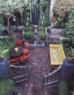 Always loved the idea of a segmented yard - with different styles etc in each one!
