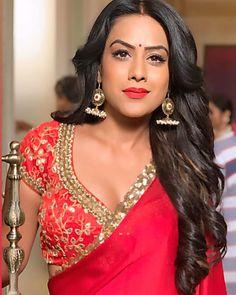 Nia Sharma milky boobs show - Sexy Indian models Image Gallery Indian Tv Actress, Actress Pics, Indian Actresses, Beautiful Girl Indian, Most Beautiful Indian Actress, Beautiful Saree, Bollywood Designer Sarees, Rihanna Style, Saree Look