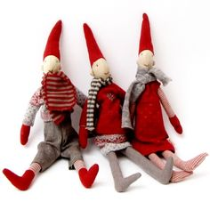 I want one of these darling Scandinavian elves. :)