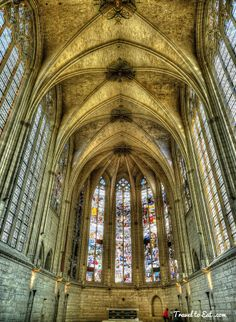 Choir and Stained Glass Windows of the Gothic Sainte-Chapelle. Château de Vincennes, Paris - Founded in 1379, the Holy Chapel, whose construction started just before the death of Charles V in 1380.