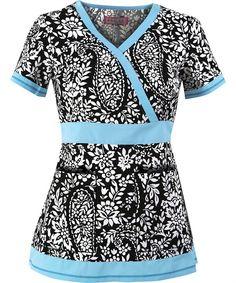 worn with baby blue bottoms. Koi Scrubs, Cute Scrubs, Stylish Scrubs, Scrubs Uniform, Medical Scrubs, Nursing Clothes, Scrub Tops, Work Attire, Work Wear