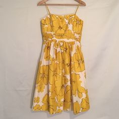 Stunning Eliza J Dress - Size 4 So sweet! Floral dress in like new condition. Fully lined with rear zipper. Eliza J Dresses Midi