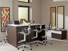 The Staks 96 is perfect for collaborative work spaces!