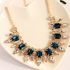 Women's Exquisite Cut Surface Crystal Stones Necklace