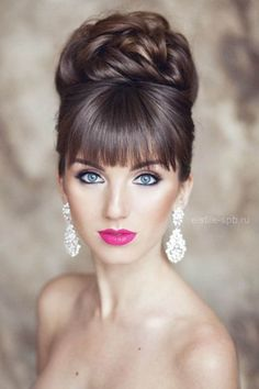 18 creative wedding hairstyles el stile spb From creative hairstyles with romantic loose curls to formal wedding updos, these unique wedding hairstyles would work great for your ceremony or reception. Unique Wedding Hairstyles, Creative Hairstyles, Bride Hairstyles, Hairstyles With Bangs, Cool Hairstyles, Hair With Bangs, Easy Vintage Hairstyles, Bangs Updo, Hair Buns