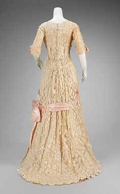 Afternoon dress Date: 1908–10 Culture: probably French Medium: cotton, silk Dimensions: Length at CB: 73 in. (185.4 cm)
