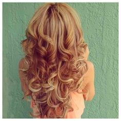 strawberry blonde hair....I will always love this color