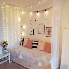 Girls Room Deco - organization Ideas for Small Bedrooms Check more at smarmyarmy.Girls Room Deco - organization Ideas for Small Bedrooms Check more at smarmyarmy. Dream Rooms, Dream Bedroom, Room Ideas Bedroom, Diy Bedroom, Design Bedroom, Bedroom Curtains, Master Bedroom, Boho Curtains, Bedroom Wall
