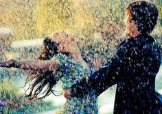 couple dancing in the rain... I think this is what I will paint :)