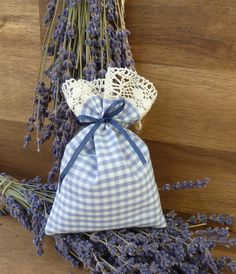 Sachets & Sachets – Lavender sachets, blue-white, sachets – a unique product by KreaLavenda on DaWanda Etsy Macrame, Diy Pinterest, 31 Bags, Lavender Sachets, Pin Cushions, Plant Hanger, Projects To Try, Creations, Blue And White
