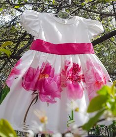 Short Sleeved Precious Dress For Baby Girls 0 - 24 Months, With Beautiful Pink Flower Print.Ready For Spring! AnneBebe Brand - Made In Romania Baby Girl Dresses, Baby Dress, Baby Girls, Laura Biagiotti, Romania, Pink Flowers, Delicate, Ballet Skirt, Spring
