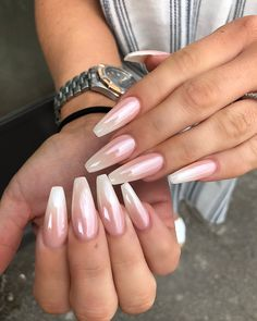 False nails have the advantage of offering a manicure worthy of the most advanced backstage and to hold longer than a simple nail polish. The problem is how to remove them without damaging your nails. Cute Spring Nails, Spring Nail Colors, Nail Designs Spring, Spring Nail Art, Summer Toenails, Nail Summer, Spring Design, Summer Diy, Coffin Nails Ombre