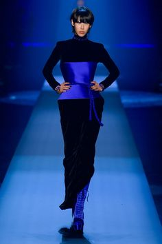 See all the Collection photos from Jean Paul Gaultier Autumn/Winter 2019 Couture now on British Vogue Jean Paul Gaultier, Catwalk Fashion, Fashion Show, Couture Collection, Flowers In Hair, Couture Fashion, Jeans, Harem Pants, Autumn Fashion
