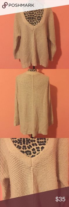 FREE PEOPLE Beige Oversized Tunic Pullover Sweater • FREE PEOPLE Beige V Neck Tunic Knit Sweater in size M. • Sweater is made of 40% acrylic/ 30% nylon / 20% wool/ 10% wool, very soft and warm. • Features V-neckline, long sleeves, oversized it can fit like tunic. Perfect for winter/fall weather. • Gently used and pre-owned, sweater is in great condition, also has no piling (no holes, smells, or stains). Measurements (taken laying flat): Bust: 27 Length: 26.5    Sleeve Length: 27 Free People…