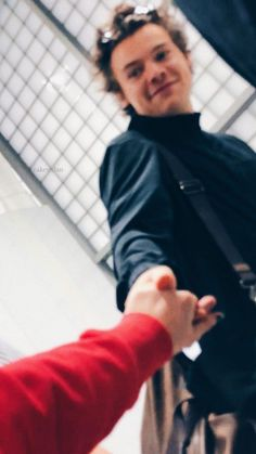 Harry Styles lockscreens / more lockscreens: cakestylan.tumblr.com / pinterest: @stylanoran