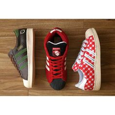 We previously showed a video of Andy Childs AKA MR SPITE and his 500+ adidas Superstar collection. With it being the 45th anniversary of the iconic Shelltoe shoe it made perfect sense that we ask him for the Top 3 pairs from his collection for MY FAV_3. #frixshunmagazine #adidas #adidasoriginals #superstar #adidassuperstar #shelltoe #ssdb #promodel #adidaspromodel #superstars #consortium #adidasconsortium #trefoil #teamtrefoil #adidasgallery #adidas_gallery