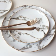 "Marble Plate ""Ring-a-ling (ring-a-ling), Hear them ring (ting-a-ling)."" Add a little ting-a-ling to your holiday season with our Marble Plate.our pioneer plate, it has stood the test of time! Kitchen Items, Kitchen Decor, Rose Gold Kitchen, Vase Deco, Marble Plates, Kitchenware, Tableware, Serveware, Dining Ware"