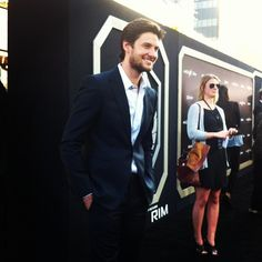Ben Barnes, of the upcoming Seventh Son, at the PacificRim premiere. (at Dolby Theatre) I think it's great that I found this while watching Pacific Rim. Ben Barnes, Guardians Of The Galaxy, The Wardstone Chronicles, Pacific Rim Jaeger, British Actors, Social Platform, To My Future Husband, Theatre, Hot Guys