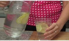 The best and easiest way to get rid of a bloated and big belly is by using sassy water. The drink is named . Remove Bloated Belly In Just 60 Seconds. Body Detox Drinks, Fat Burning Detox Drinks, Fat Burning Foods, Detox Your Body, Bebidas Detox, Diabetic Drinks, Healthy Drinks, Healthy Recipes, Drinks For Bloating