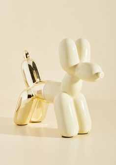 Inflated to Pretend Shelf Decor in Cream. Fake it 'til ya make it, eh? Balloon Dog, Balloon Animals, Christmas Accessories, Christmas Jewelry, Unique Gifts, Best Gifts, Quirky Decor, Gadgets, Book Jewelry