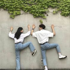 Couple shared by mihry jung on we heart it Korean Couple Photoshoot, Pre Wedding Photoshoot, Couple Shoot, Korean Best Friends, Boy And Girl Best Friends, Ulzzang Korean Girl, Ulzzang Couple, Cute Relationship Goals, Cute Relationships