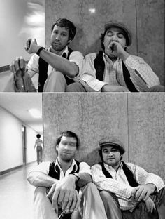 Chevy Chase and John Belushi ~ Saturday Night Live The Blues Brothers, Chevy Chase, Saturday Night Live, Star Wars, Snl, Funny People, Funny Guys, Funny Men, Rare Photos